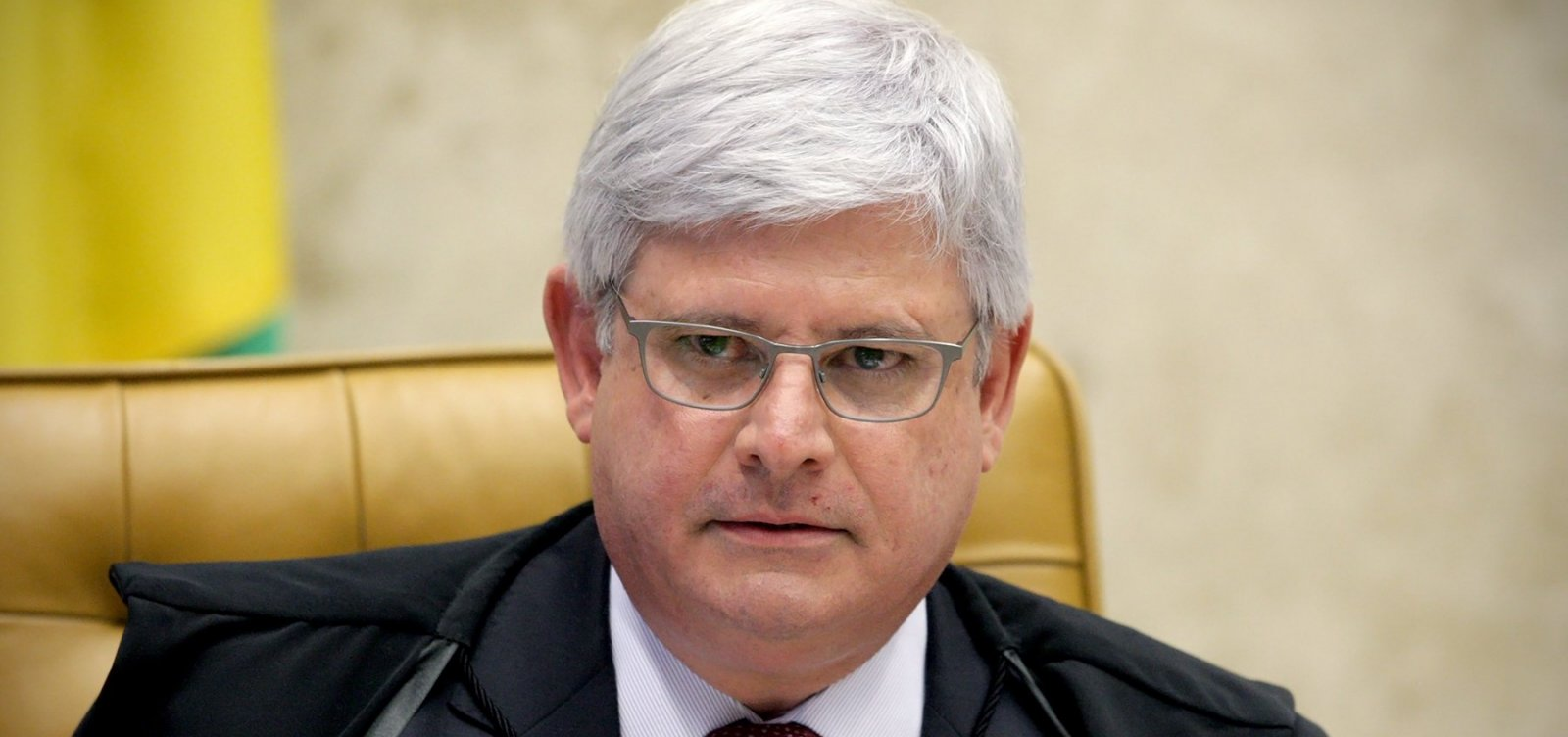 Janot critica 'intolerância' e declara voto em Haddad