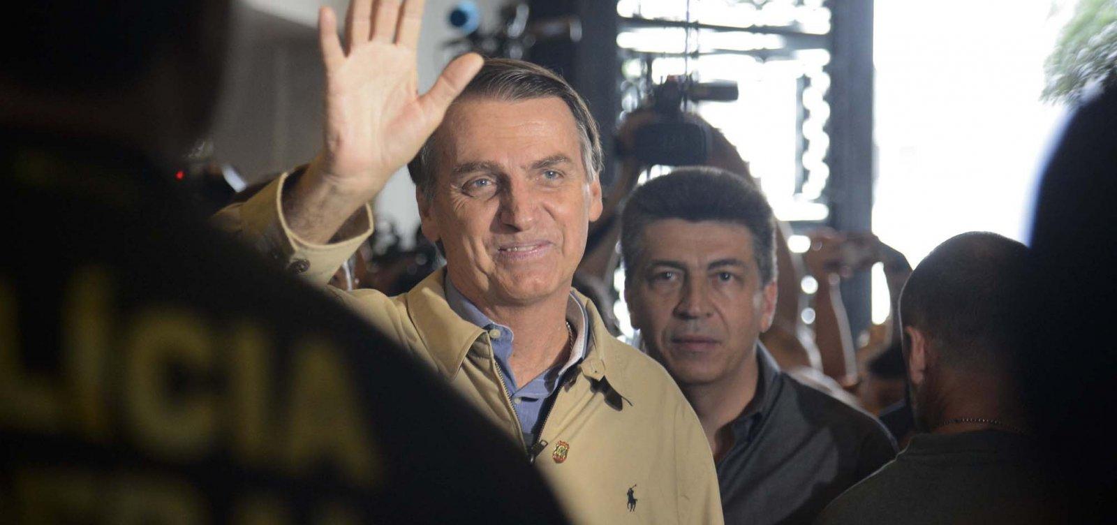 Com segurança reforçada, Bolsonaro vota no Rio de Janeiro