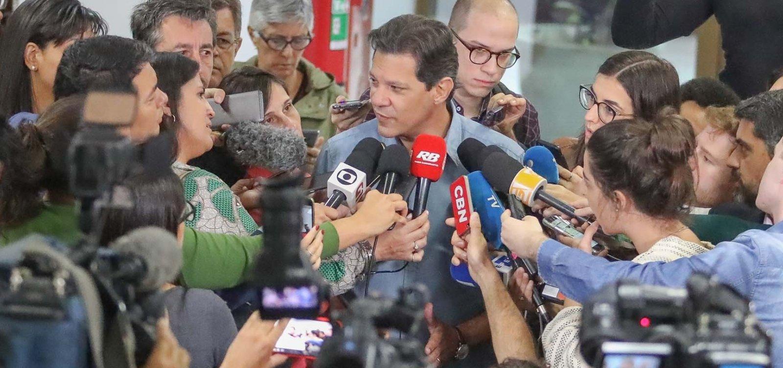 Fernando Haddad vota e desconversa sobre apoio de Ciro Gomes