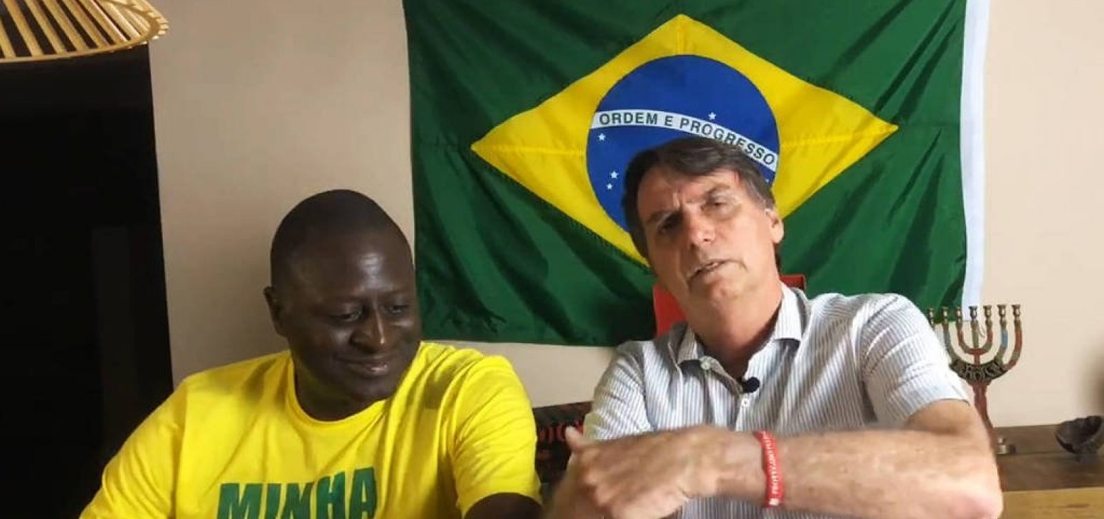 Bolsonaro se diz 'surpreso' com apoio de Joaquim Barbosa a Haddad