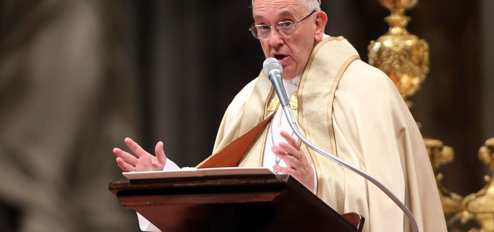 Papa Francisco condena ataque contra sinagoga nos EUA