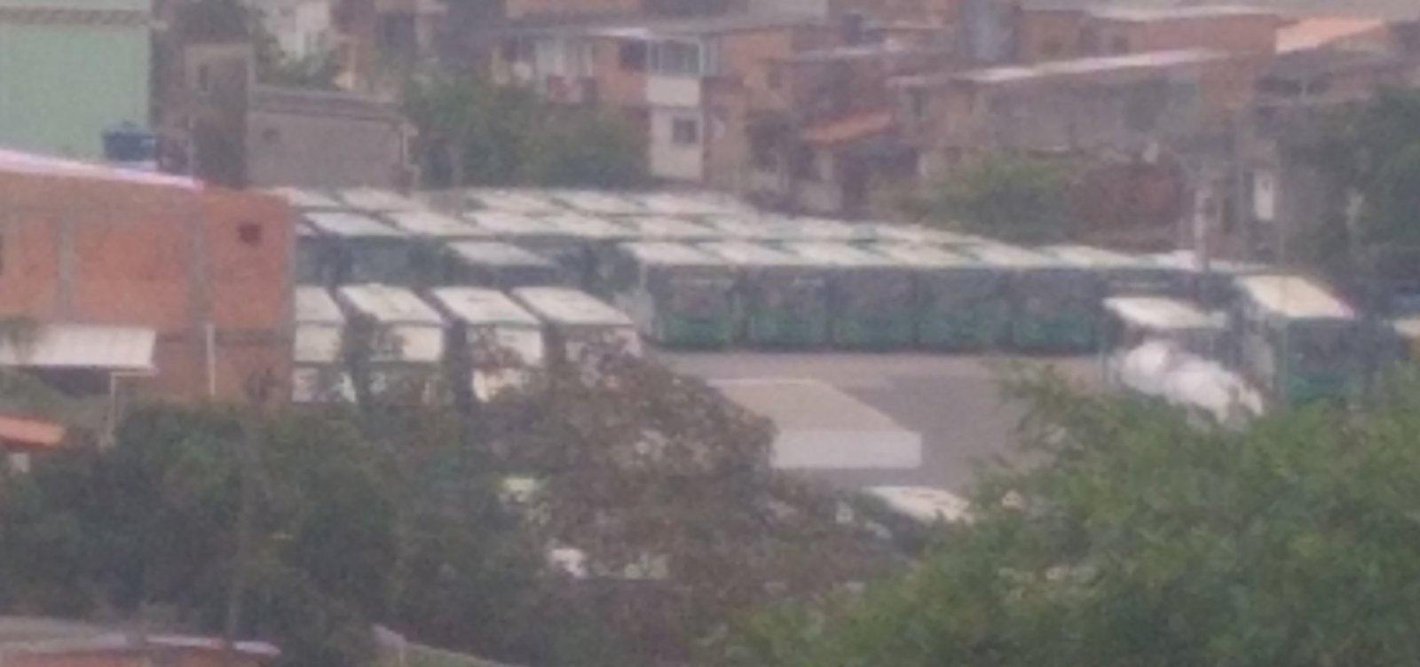 Você Repórter: leitor flagra garagem de ônibus lotada em Santa Mônica
