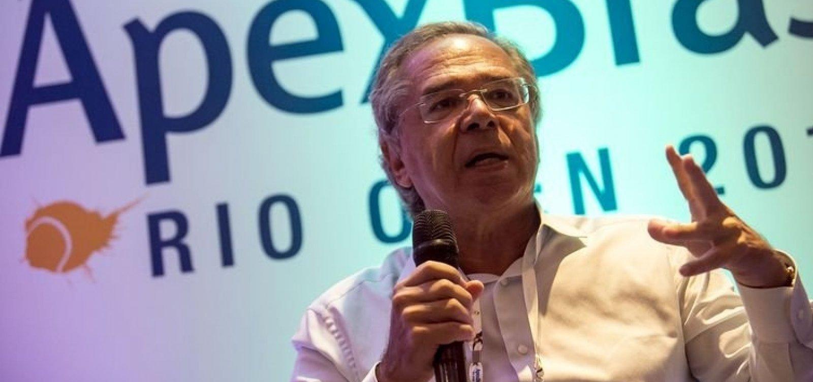 Paulo Guedes refuta Lorenzoni sobre reforma da previdência: 'É um político falando de coisa de economia'