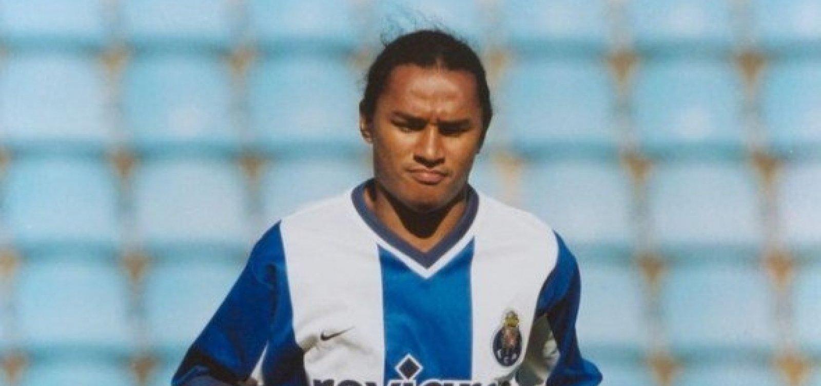 Esquerdinha, ex-jogador do Vitória, morre após 'baba' com amigos