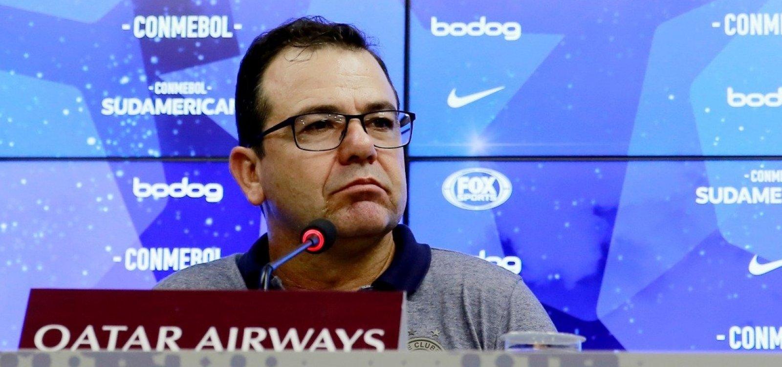 Enderson ironiza Atlético-PR e se diz orgulhoso do Bahia