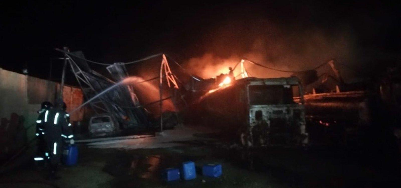 Polícia investiga distribuição ilegal de gasolina adulterada em local de incêndio em Candeias