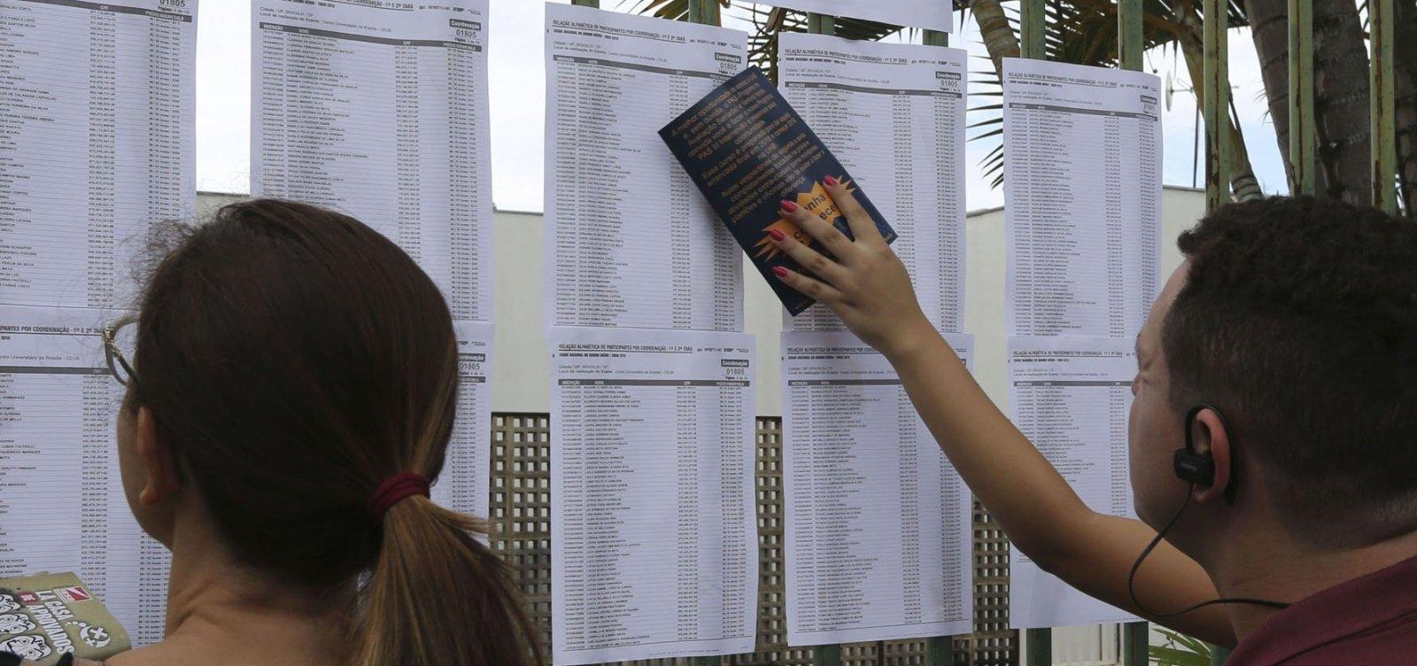 Candidatos são flagrados com ponto eletrônico em provas do Enem