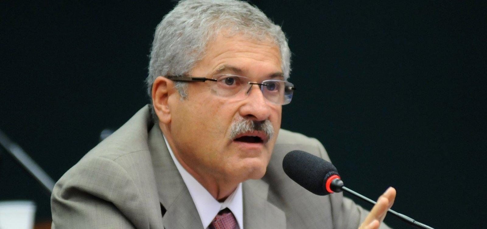 Líder do PR diz que eventual nomeação de Magno Malta será 'cota pessoal' de Bolsonaro