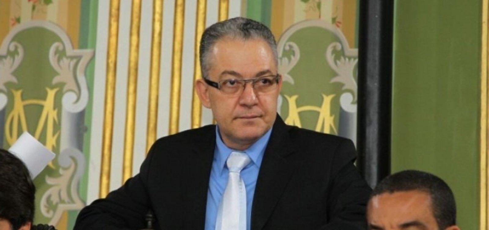 Isnard retorna para secretaria após votar na eleição da Câmara