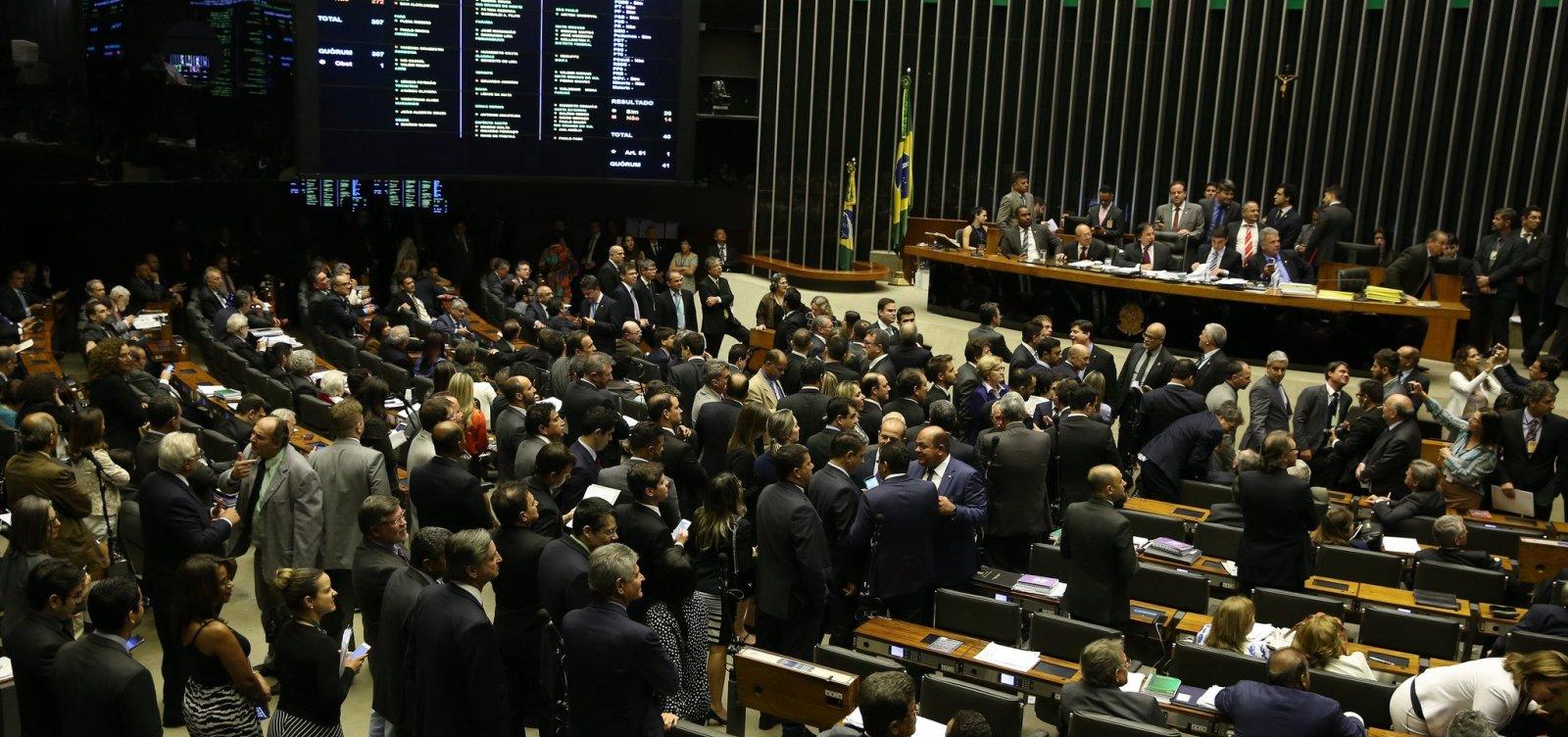 Direção-Geral do Congresso veta jornalistas em sessão com Bolsonaro