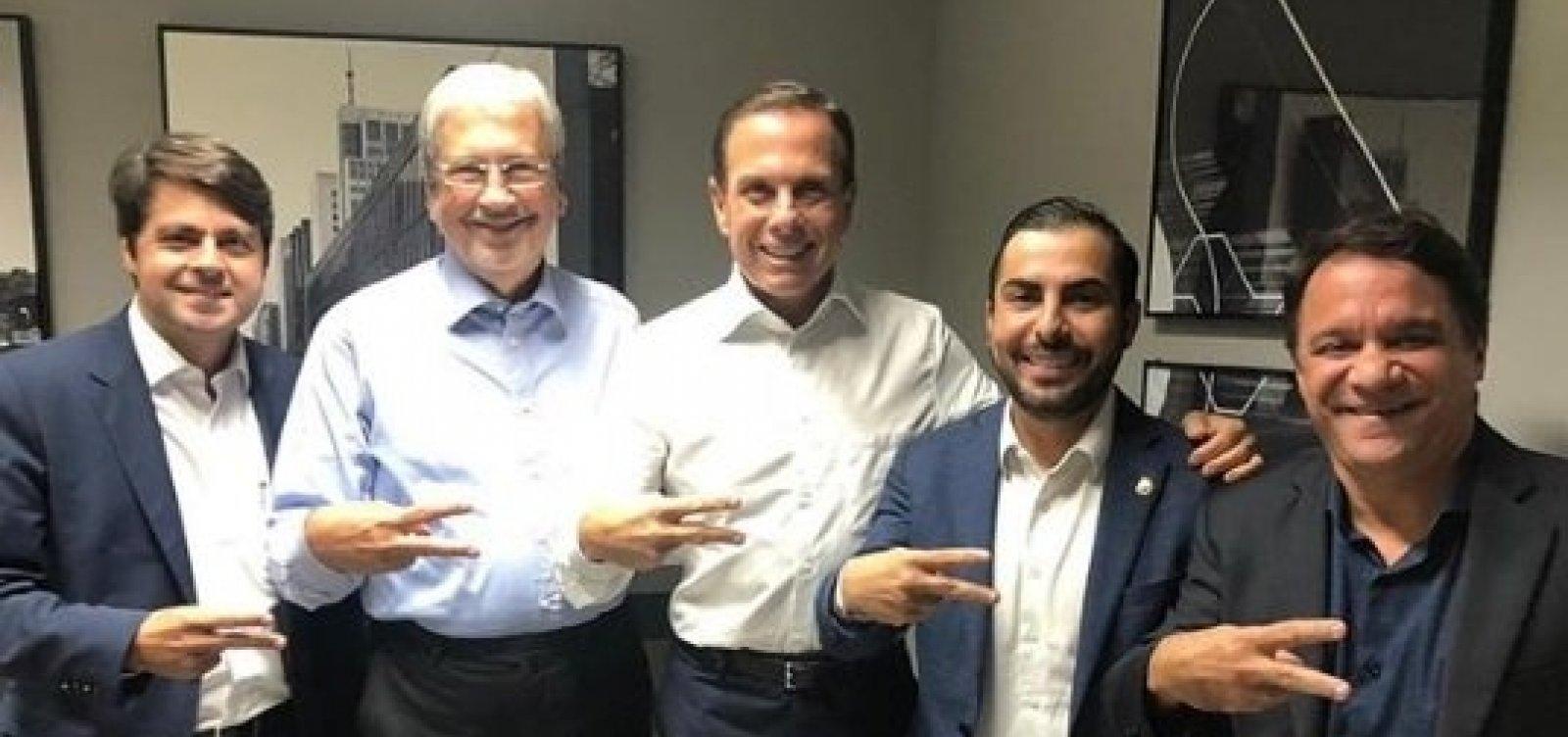 Imbassahy visita João Doria após rumores de que deixaria PSDB
