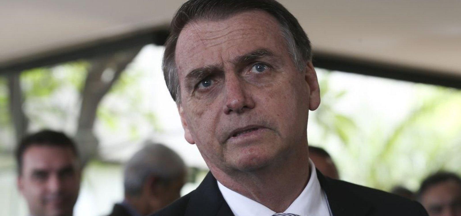 Bolsonaro diz que vai fechar embaixadas ociosas do Brasil no exterior