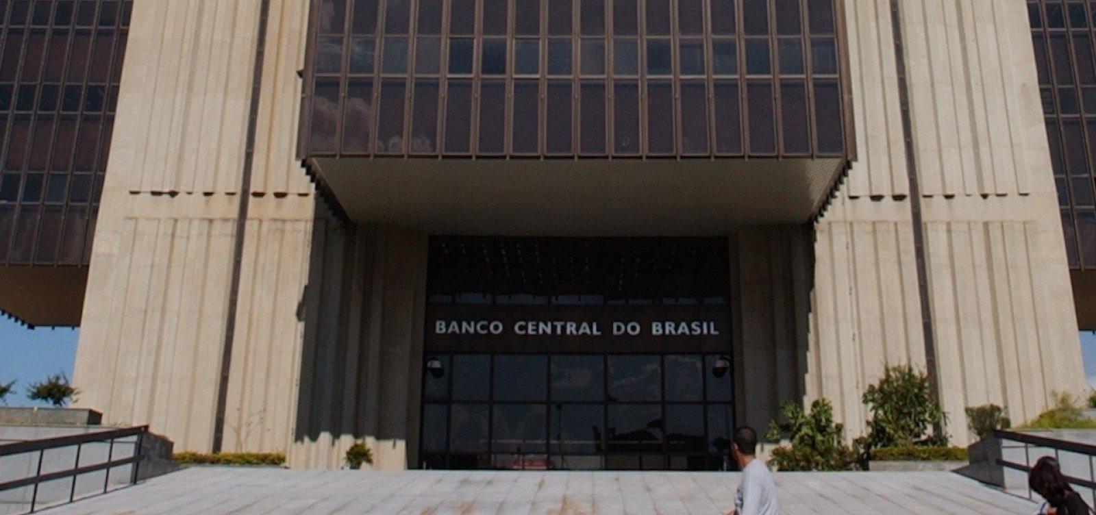 Bolsonaro diz que Guedes está em 'vias de anunciar' nome para o BC
