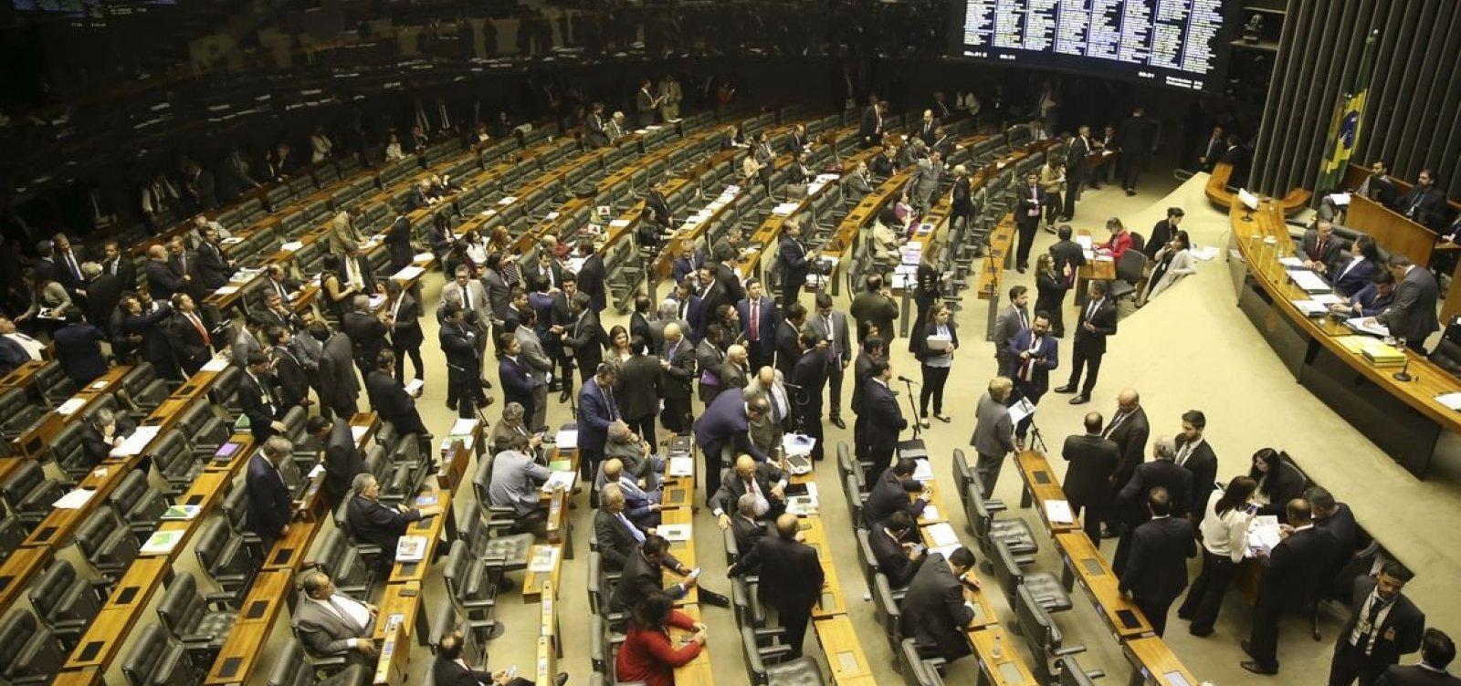Senado aprova corte pela metade em fundo para Educação