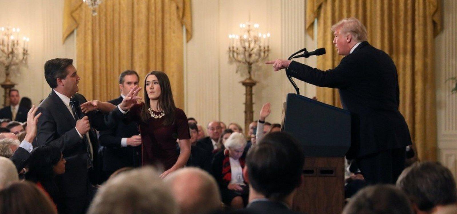 Após discussão com Trump, jornalista da CNN tem credencial suspensa pela Casa Branca