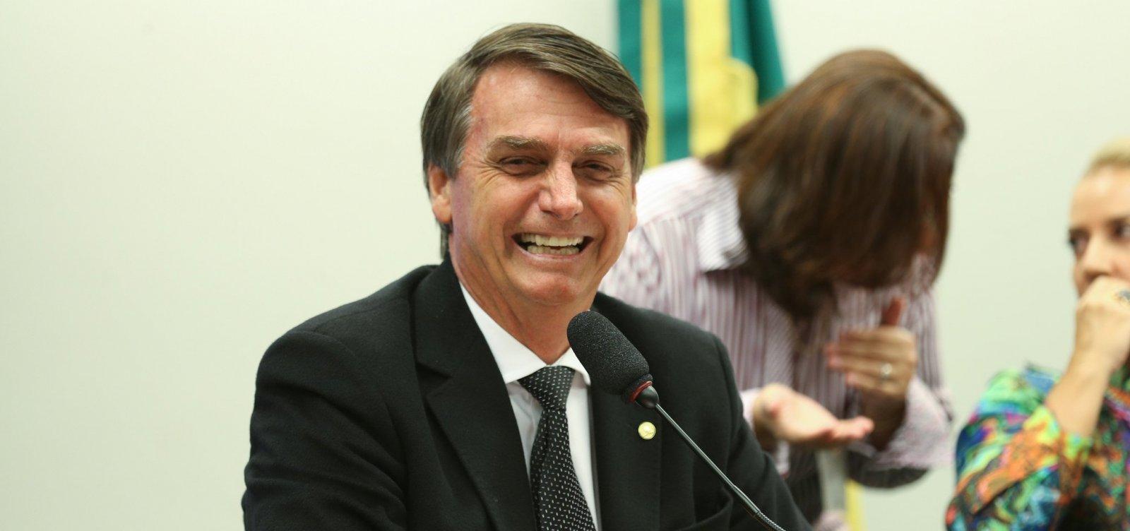 'O Brasil é o país dos direitos, só não tem emprego', diz Bolsonaro