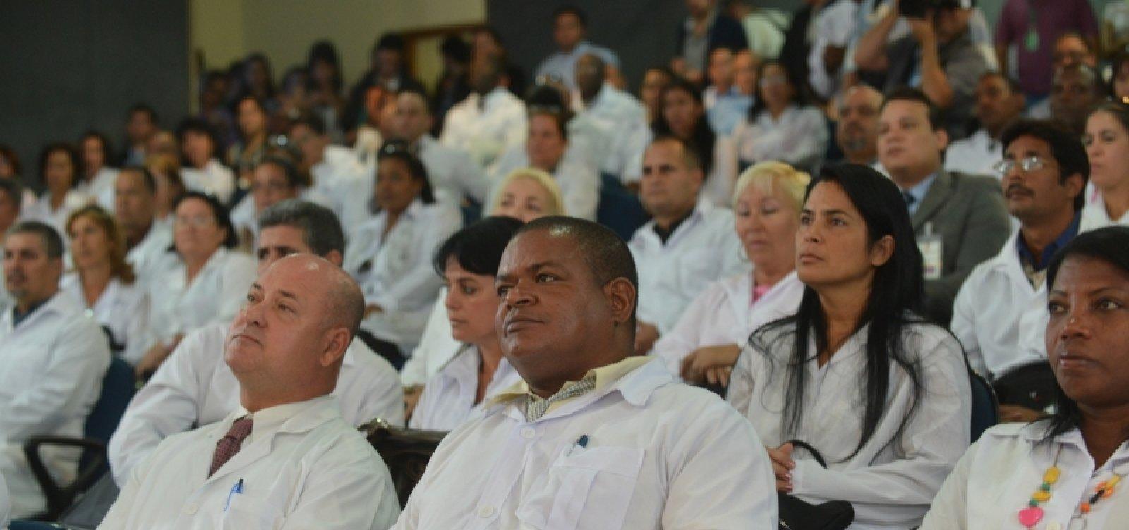 Após saída de cubanos, Mais Médicos tem 1.052 desistências em 3 meses