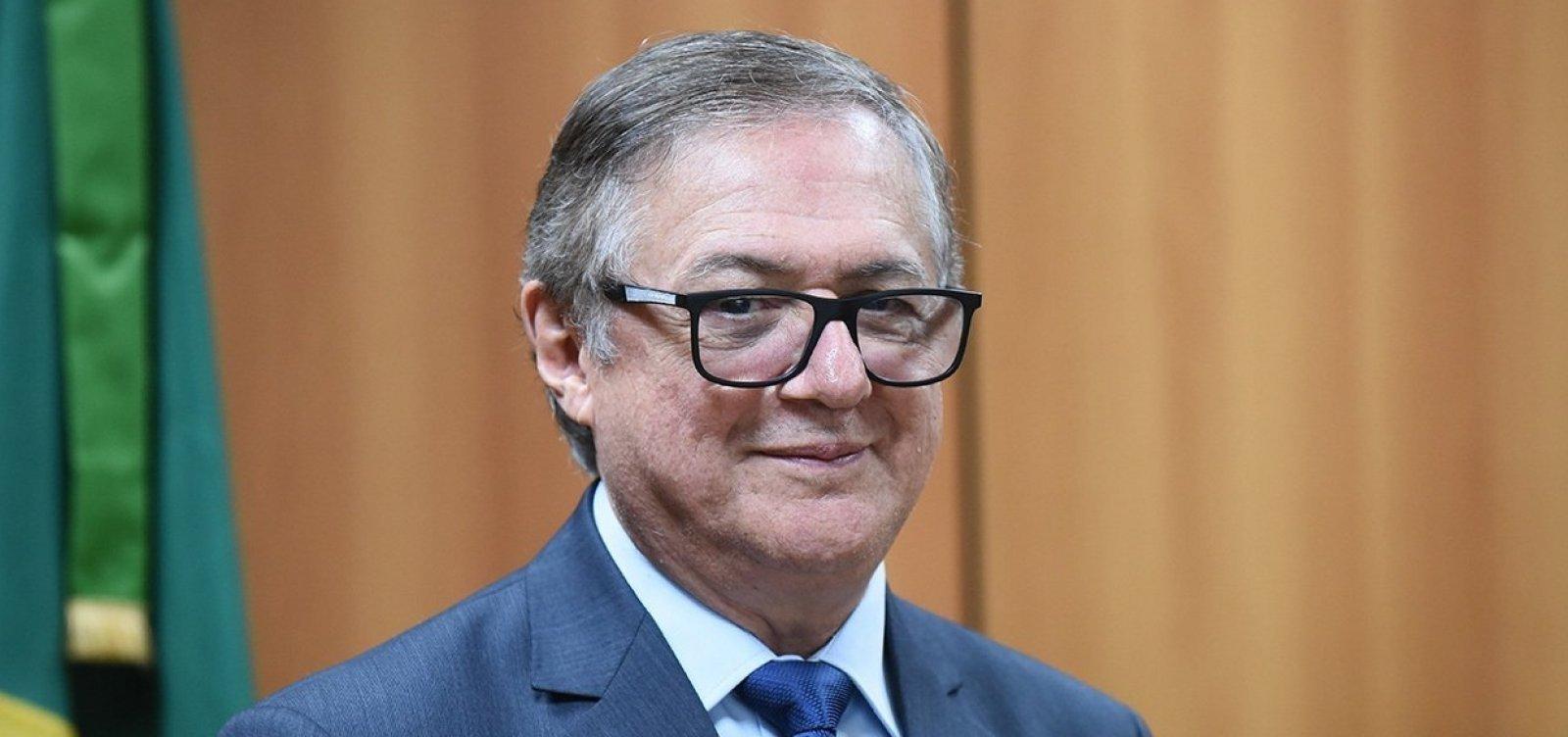 Assessor especial e chefe de gabinete do MEC são exonerados