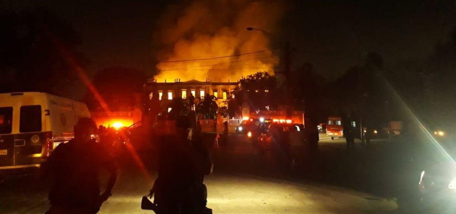 Incêndio no Museu Nacional aconteceu devido a 'gambiarras' elétricas