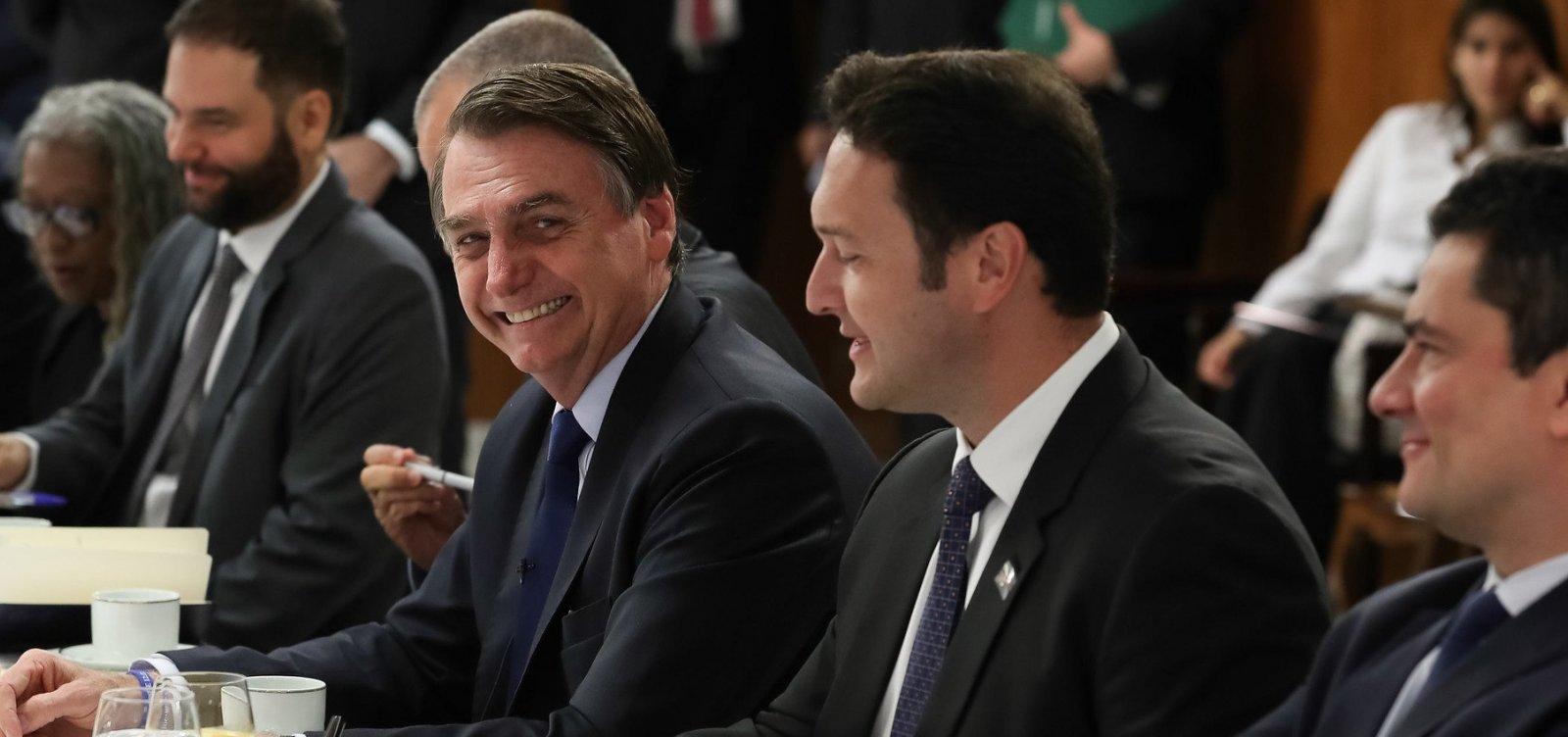 Bolsonaro minimiza polêmicas na carreira: 'Vou me arrepender que fiz xixi aos cinco anos na cama?'