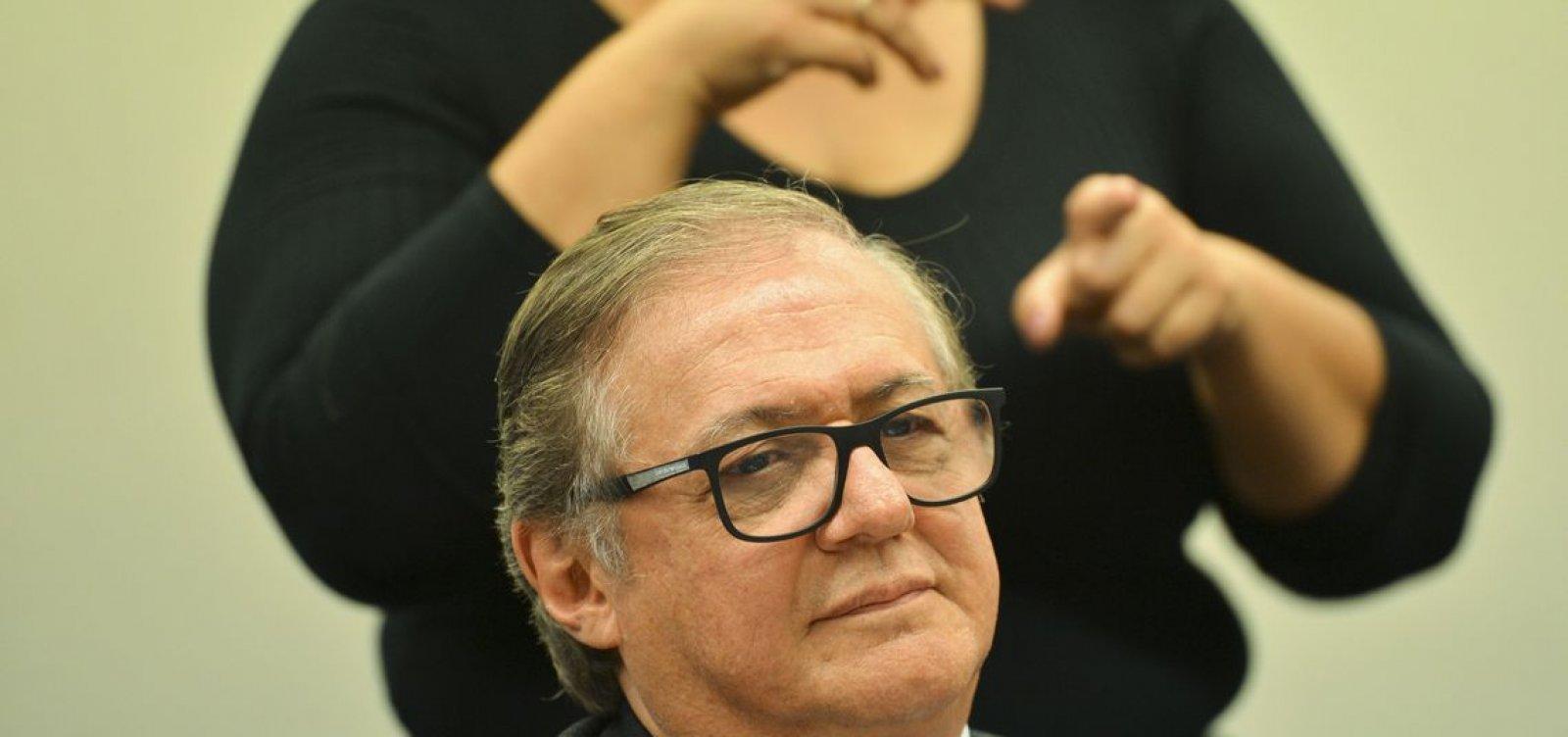 'Tudo pode acontecer', diz Bolsonaro sobre Vélez