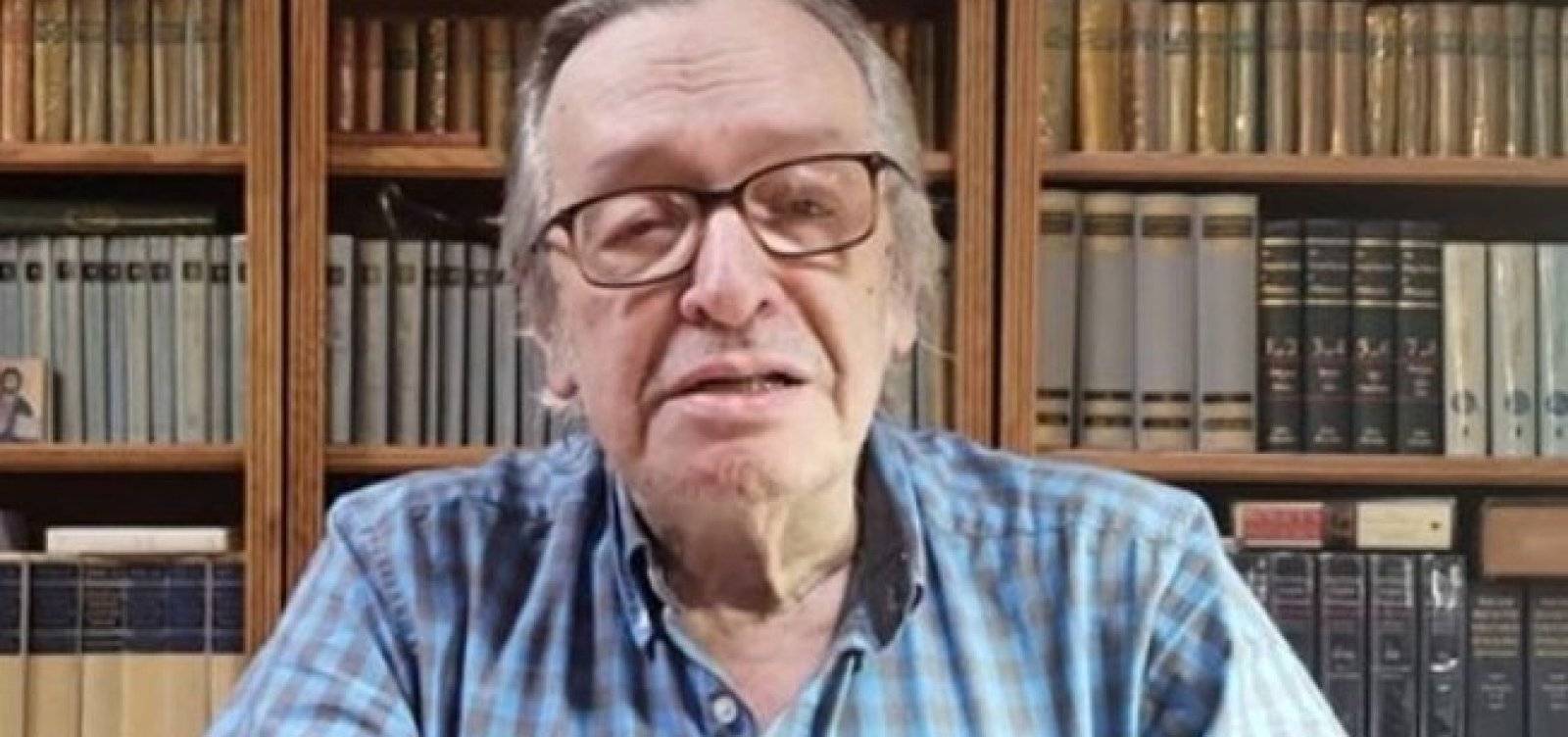 Olavo critica Vélez após Bolsonaro sinalizar demissão do ministro