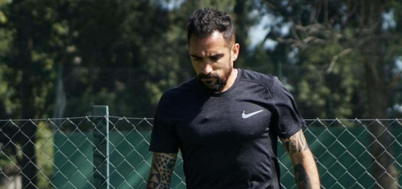 Após rejeitar o Vitória, Escudero fecha com clube da Série B
