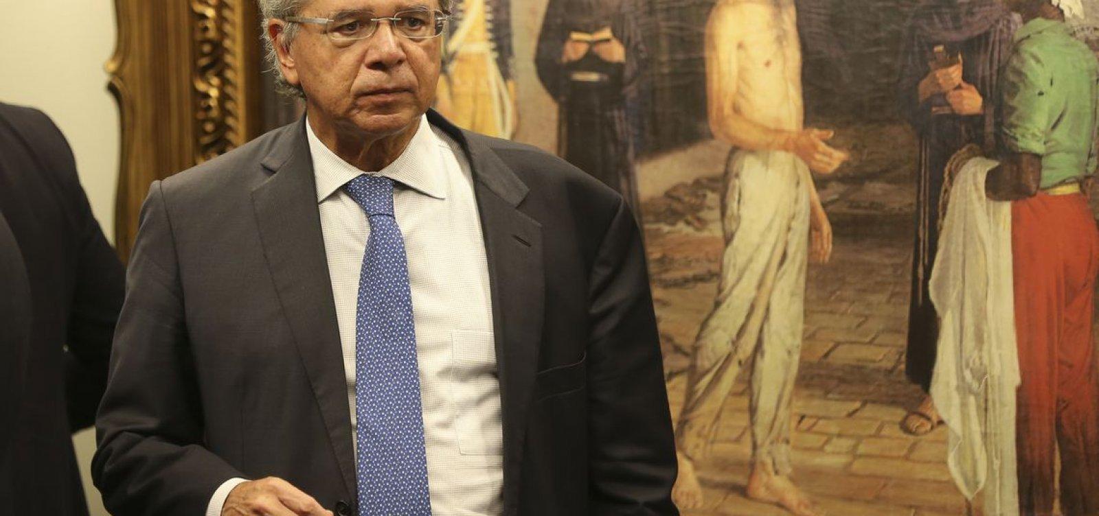 'Não ajudaremos vagabundos', diz Guedes ao defender carteira Verde e Amarela
