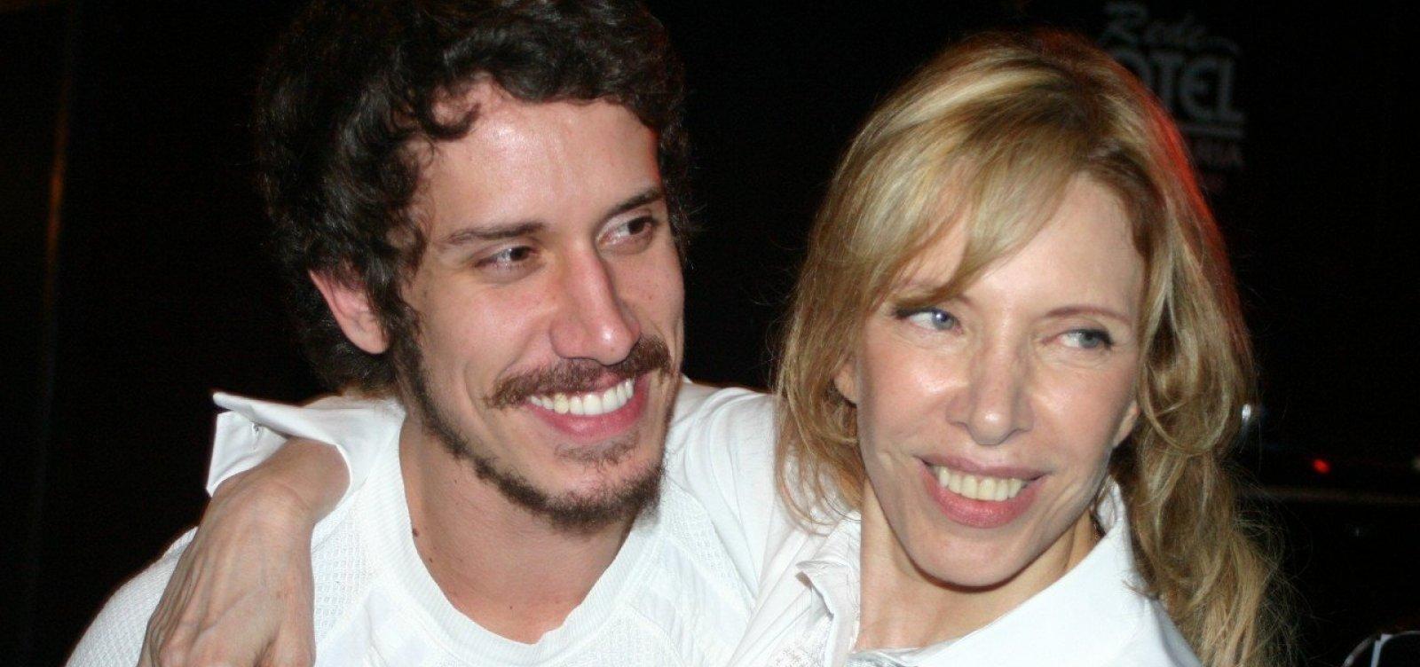 Filho de Marília Gabriela se manifesta sobre boatos de caso com Gianecchini: 'Jamais'