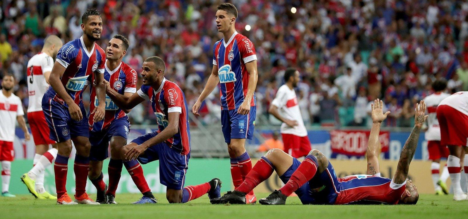 Nasceu! Ouça a narração de Silvio Mendes do gol da classificação do Bahia