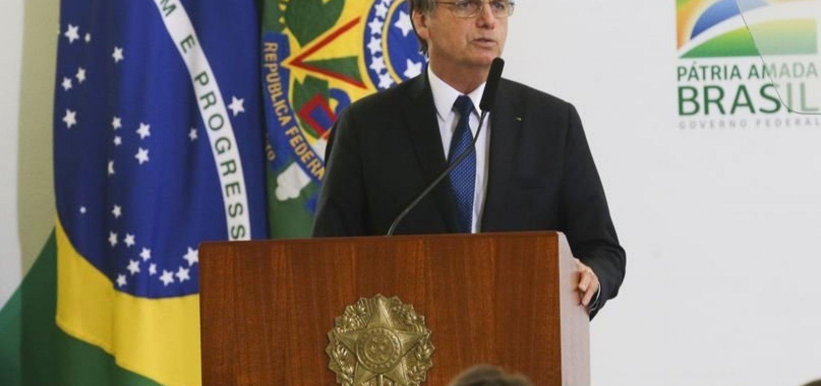 """Bolsonaro decreta troca de """"vossa excelência"""" por """"senhor"""" na comunicação do governo"""