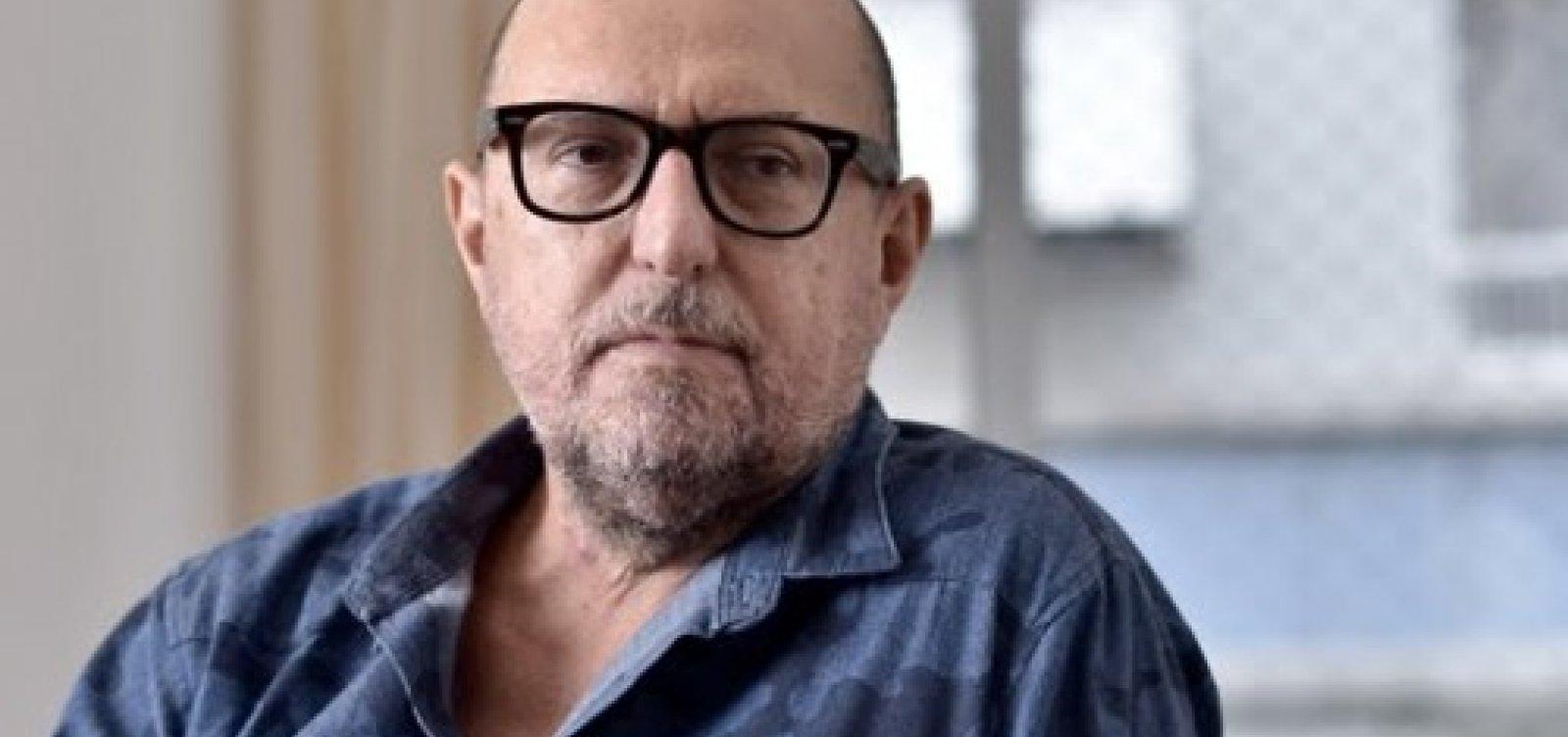 Xico Sá critica amadorismo de Bolsonaro: 'Cabarés que conheci eram todos organizados'