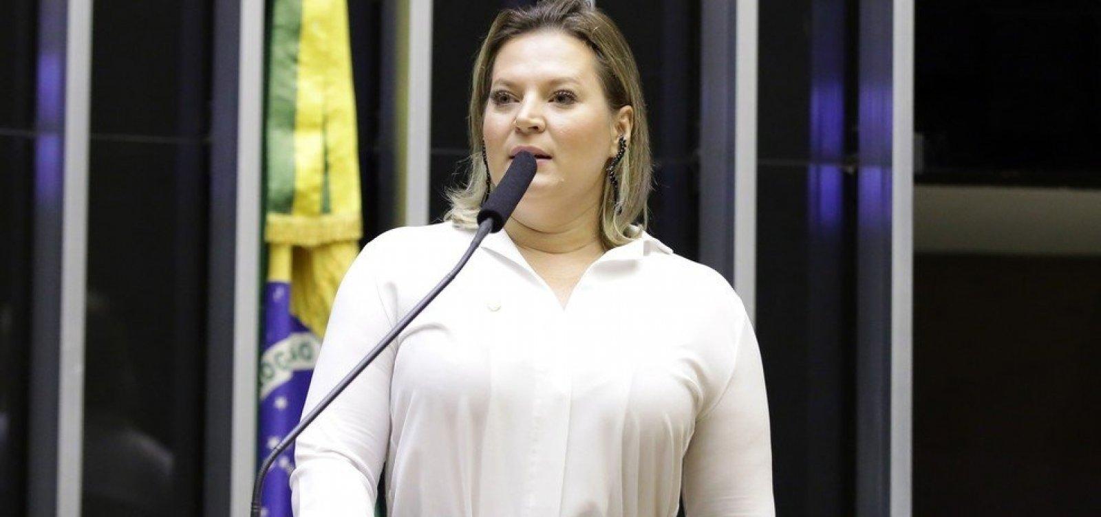 Após passar Carnaval em Ilhéus, Joice Hasselmann usou verba pública para voltar de viagem