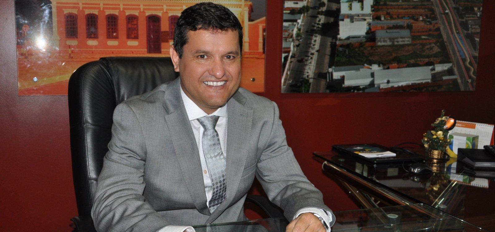 Guanambi: prefeito é denunciado por licitação supostamente fraudada