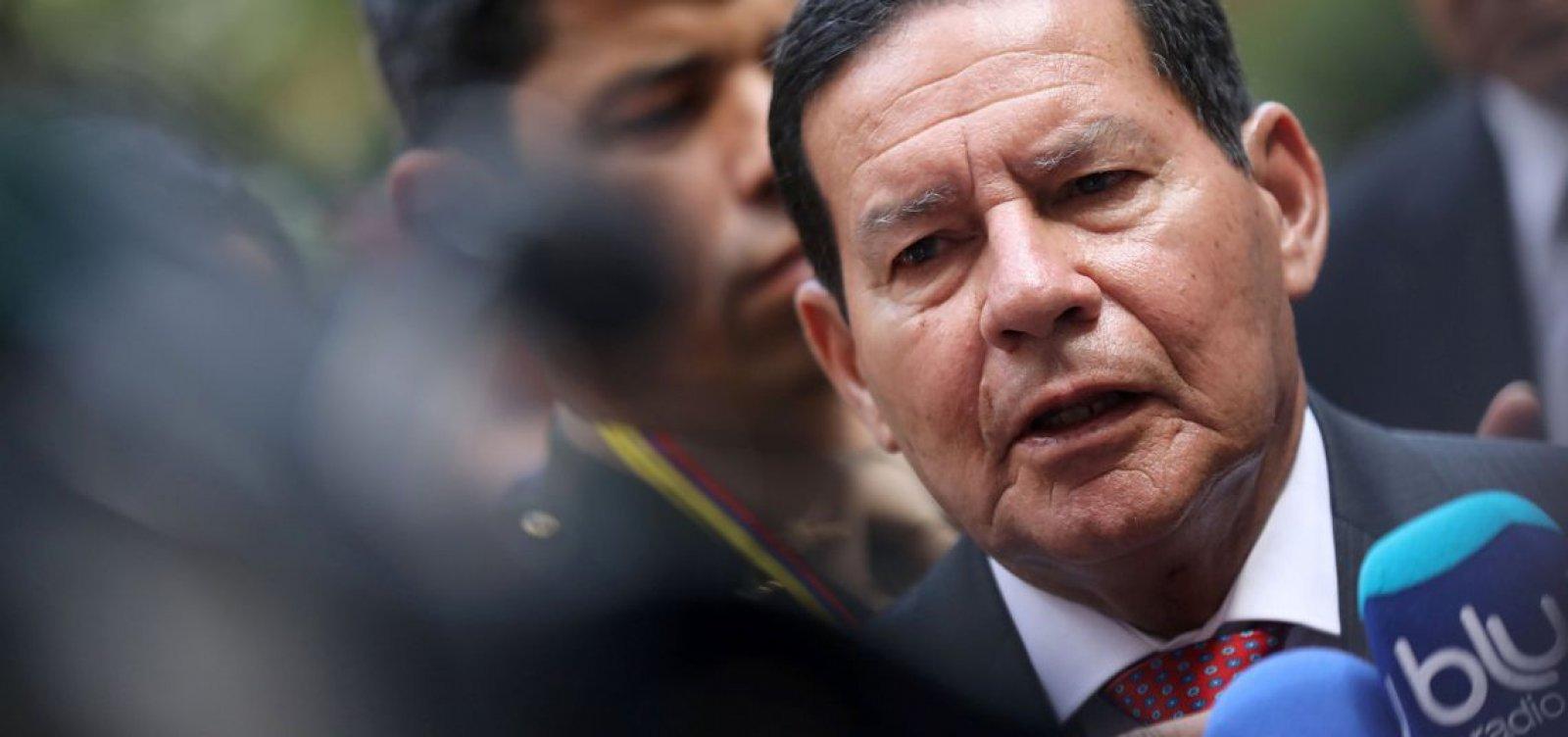 Marco Feliciano vai entrar com pedido de impeachment de Mourão