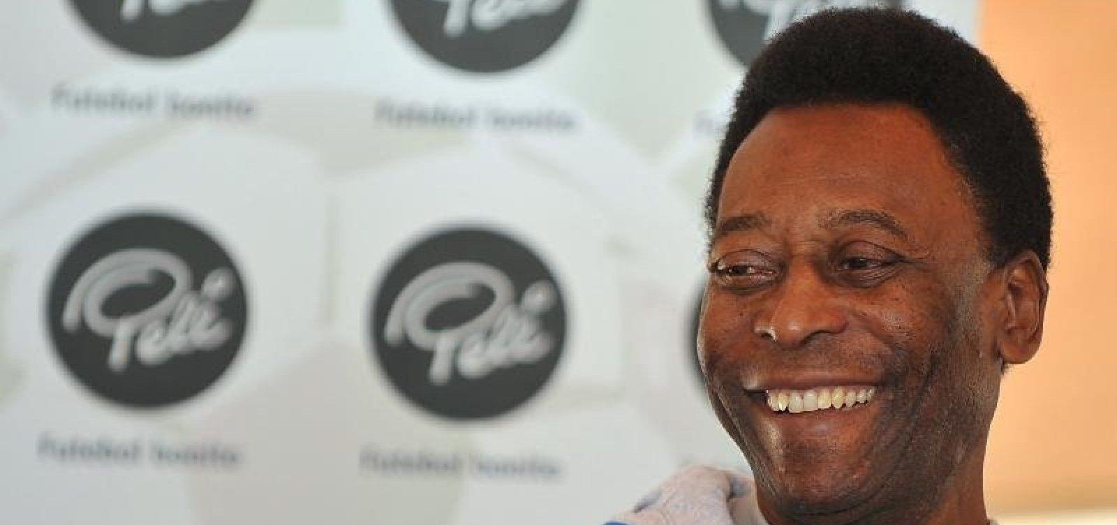 Pelé apresenta evolução satisfatória após cirurgia, diz boletim médico