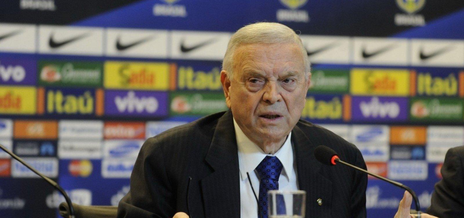 Fifa bane José Maria Marin do futebol por corrupção