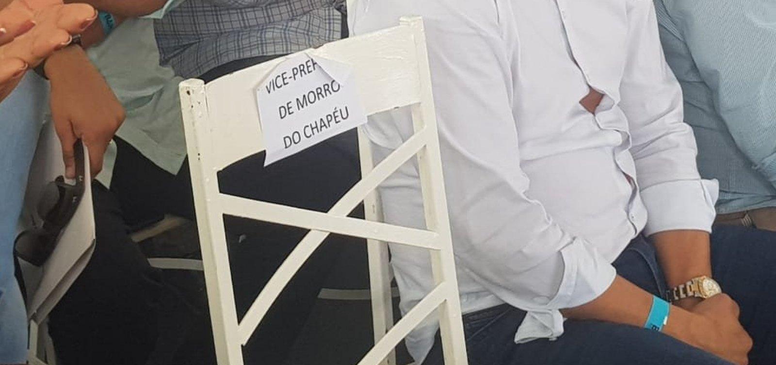 Em discurso e com vice ausente, prefeito de Morro do Chapéu alfineta ex-aliados