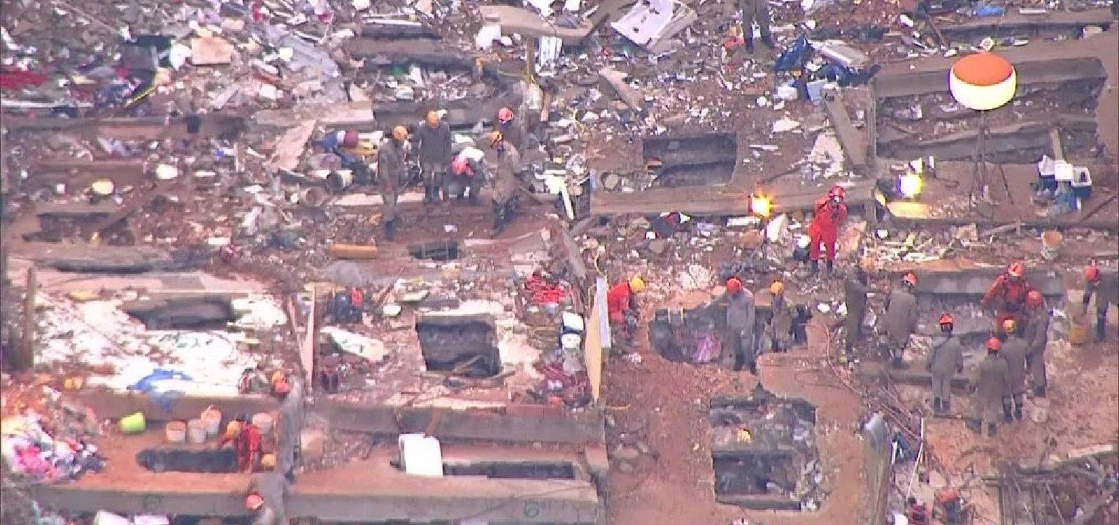 Sobe para 11 o número de mortos em desabamento no RJ