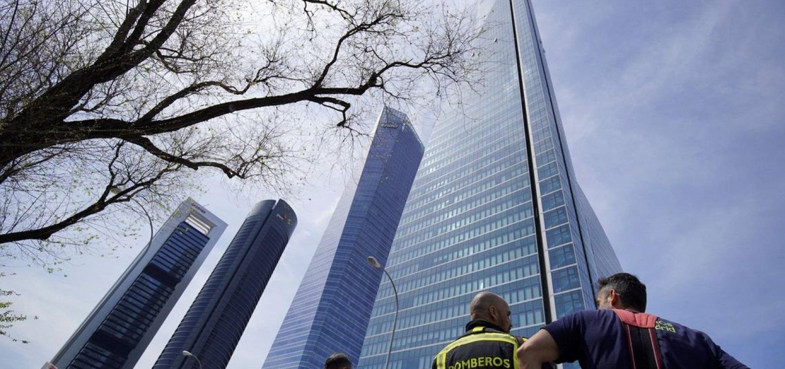 Ameaça falsa de bomba evacua um dos maiores edifícios da Europa