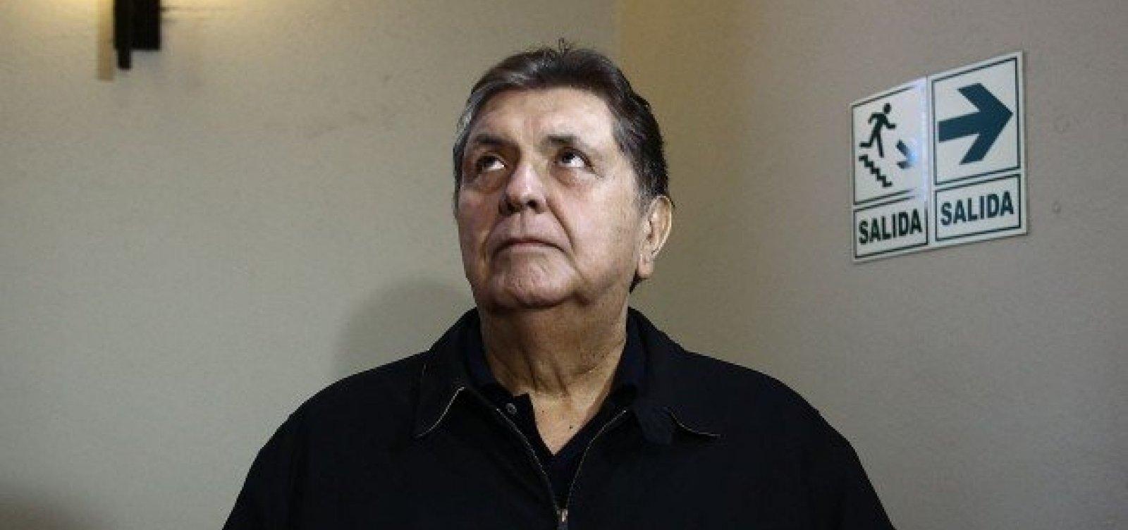 Ex-presidente do Peru tenta suicídio após ordem de prisão no caso Odebrecht