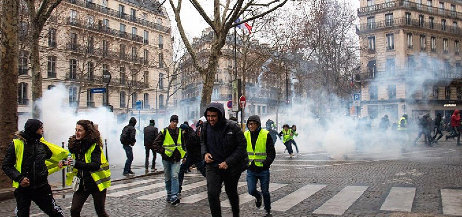 Coletes Amarelos são proibidos de protestar na área da Notre-Dame