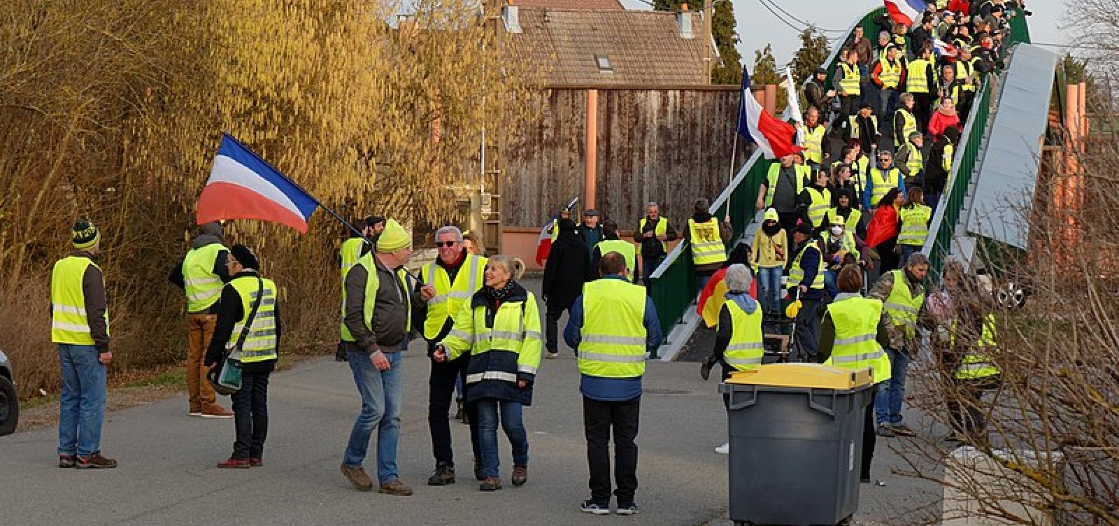 Coletes Amarelos: Mais de 220 pessoas são presas no 23º sábado de protestos