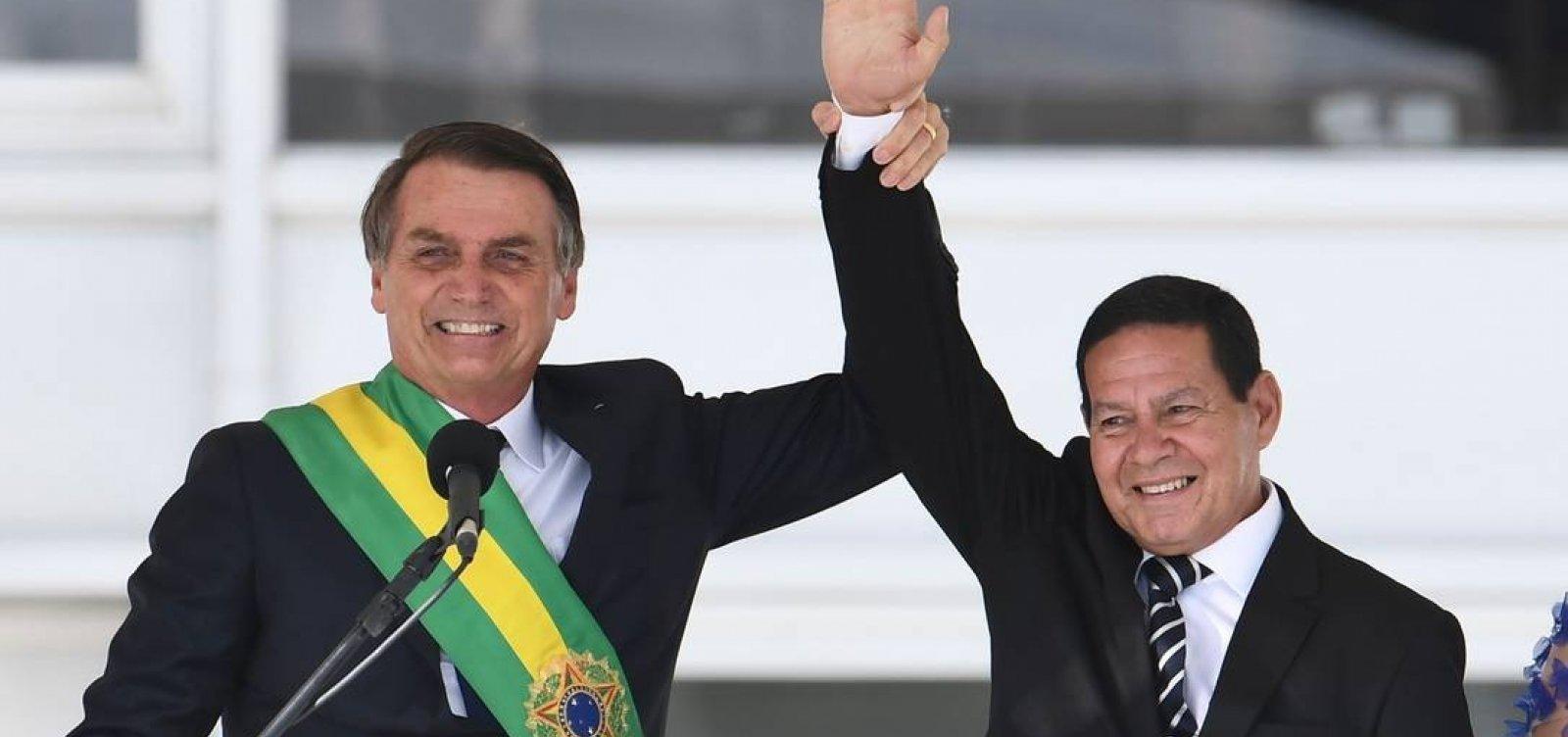 Bolsonaro incentiva ataques a Mourão nos bastidores