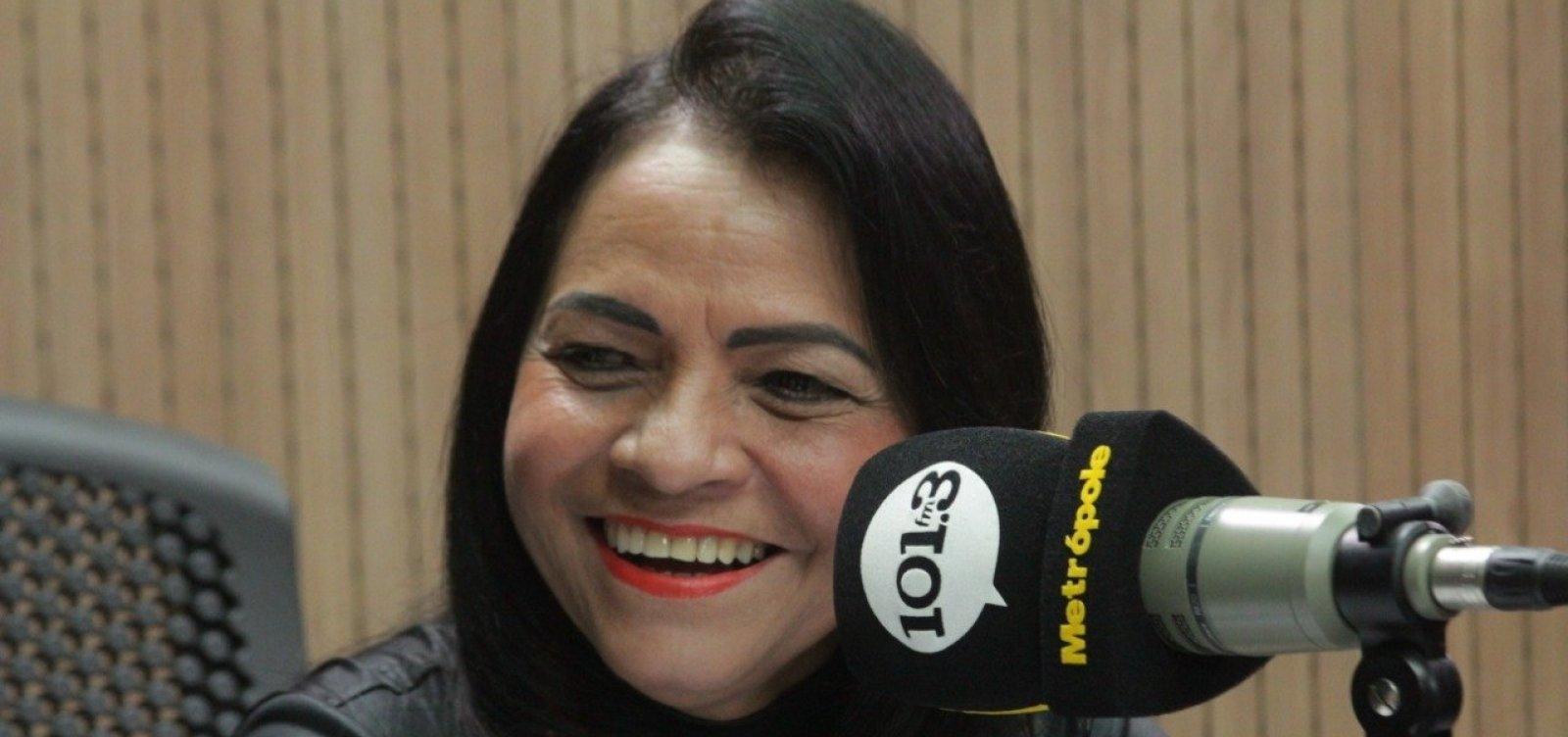 'Não é tanto', diz Moema sobre 400 cargos na saúde em Lauro de Freitas