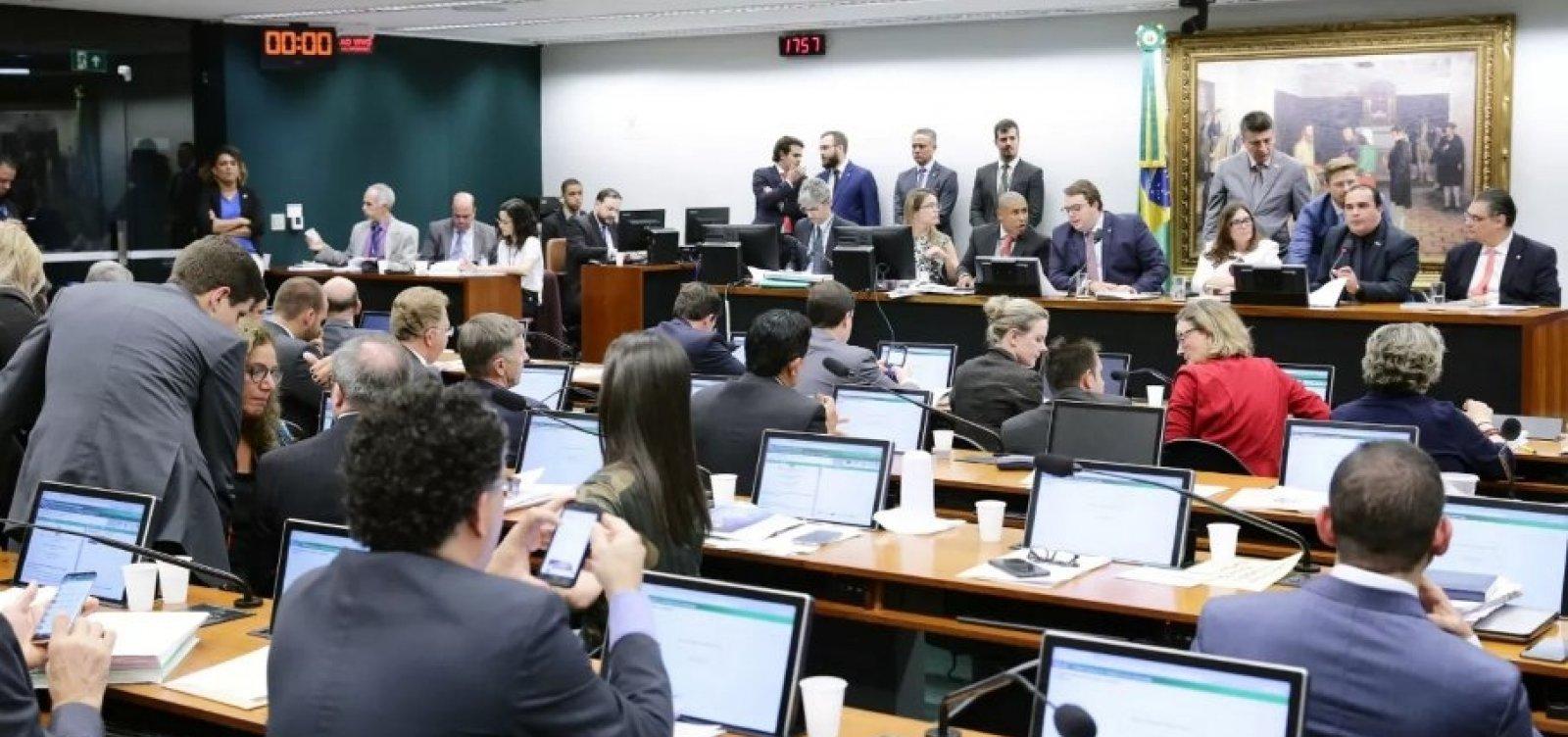 CCJ da Câmara dá aval à reforma da Previdência após quase 9h de sessão