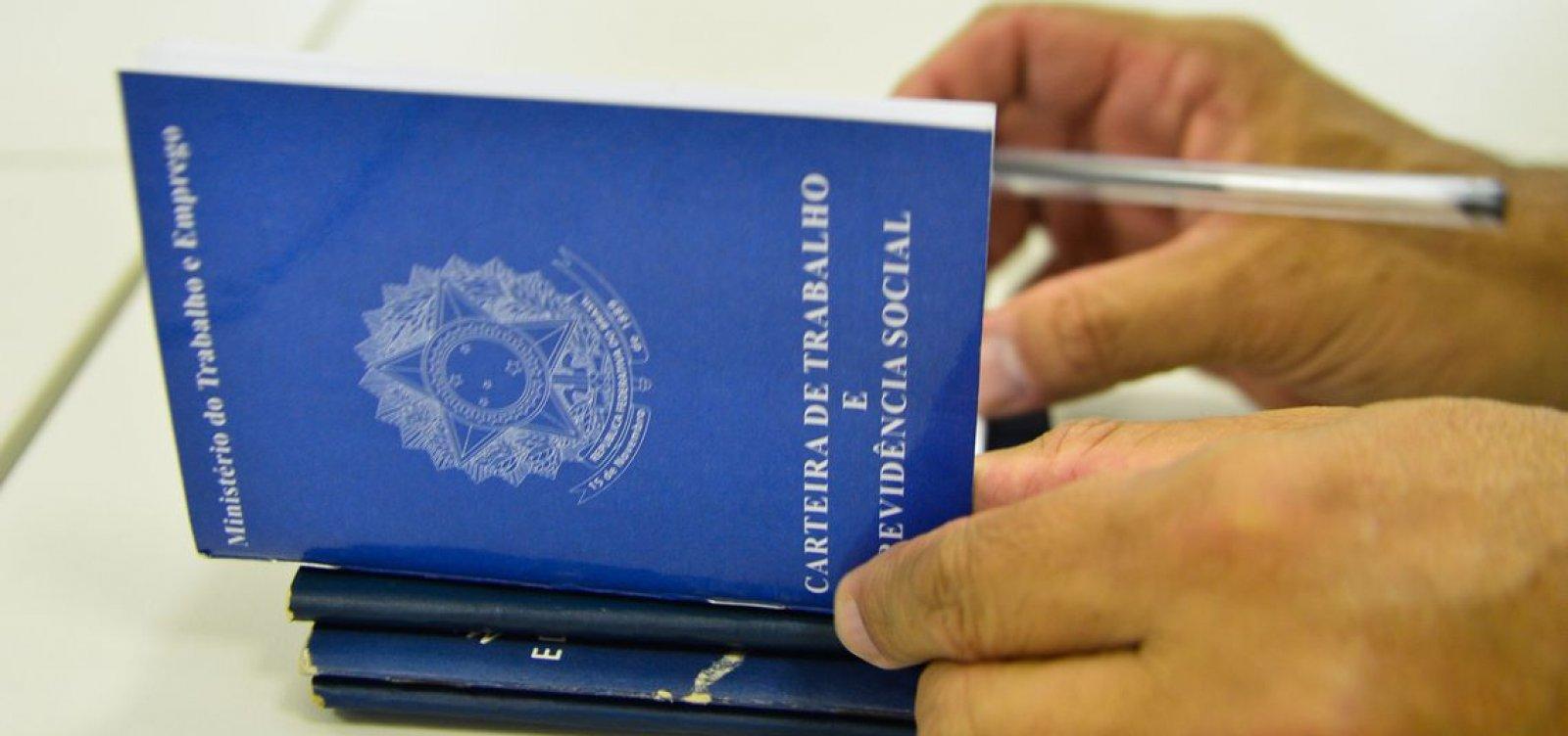 Economia brasileira fecha 43 mil empregos formais em março