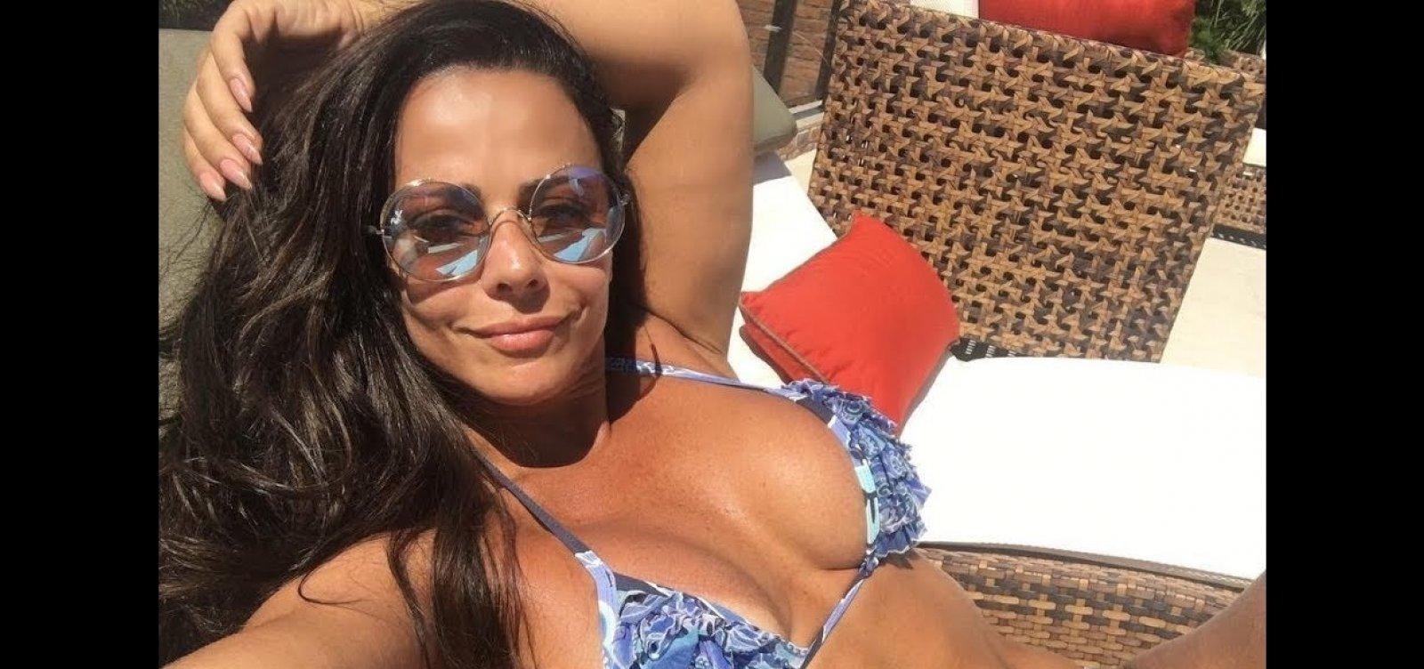 De novo: Vivi Araujo canta 'ex é ex' e seguidores veem provocação a Belo