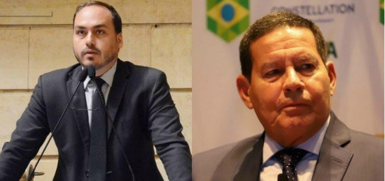 Carlos Bolsonaro ignora 'ponto final' indicado pelo pai e volta a atacar Mourão