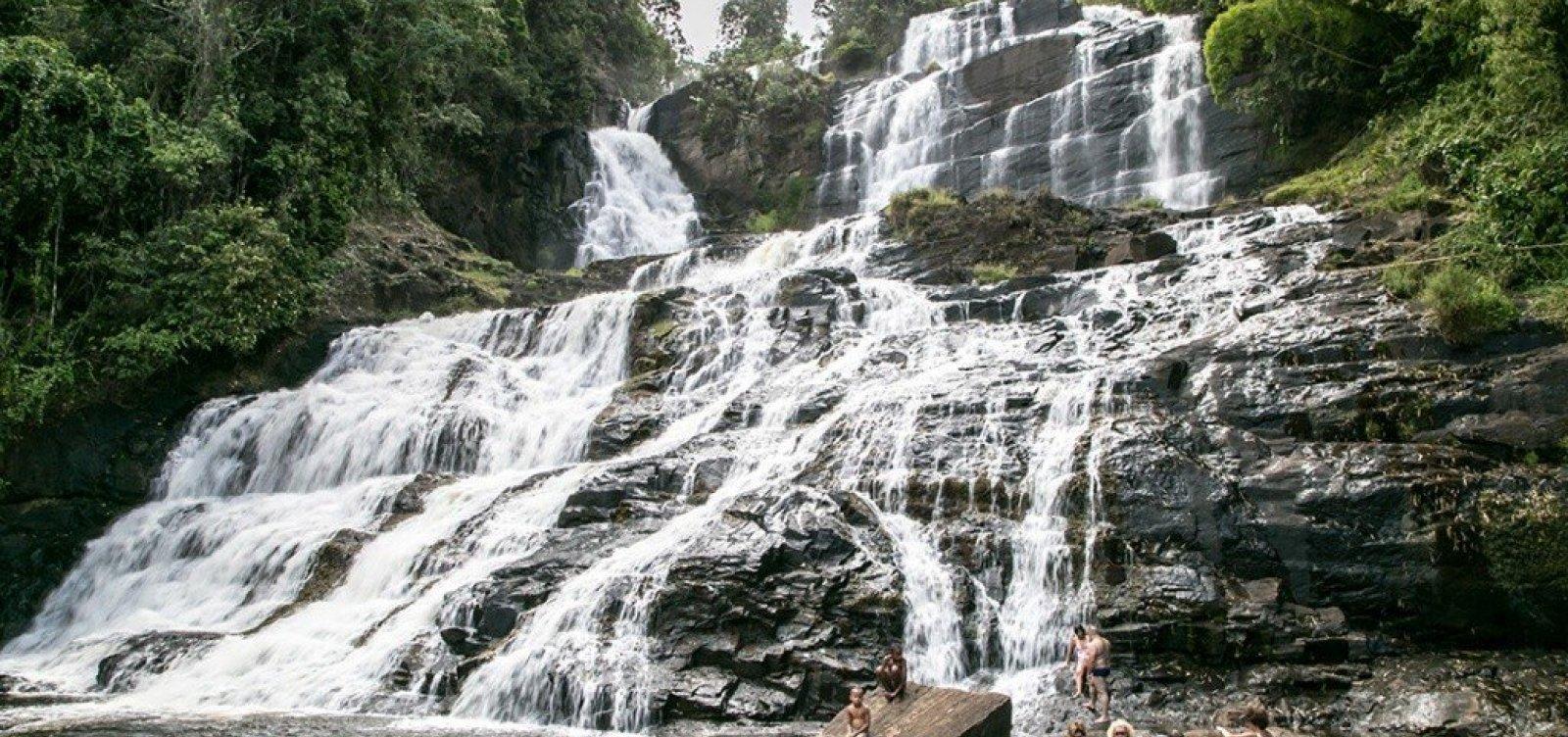 Pancada Grande: maior cachoeira do litoral baiano te convida a desviar o caminho